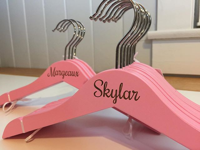 Personalized wood hangers, great for baby showers or any child gift! So cute with all their cute little clothes!☺️