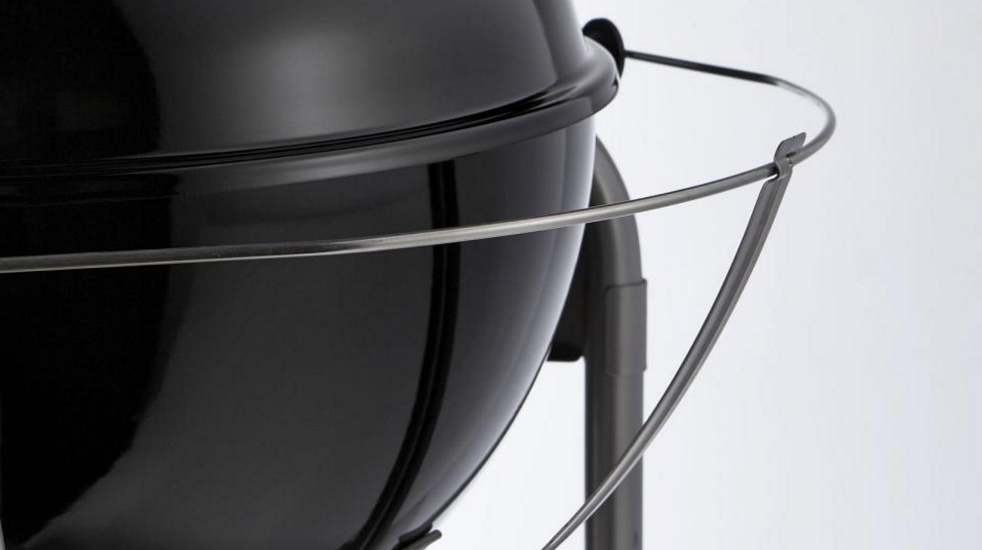 Tuck-away lid holder
