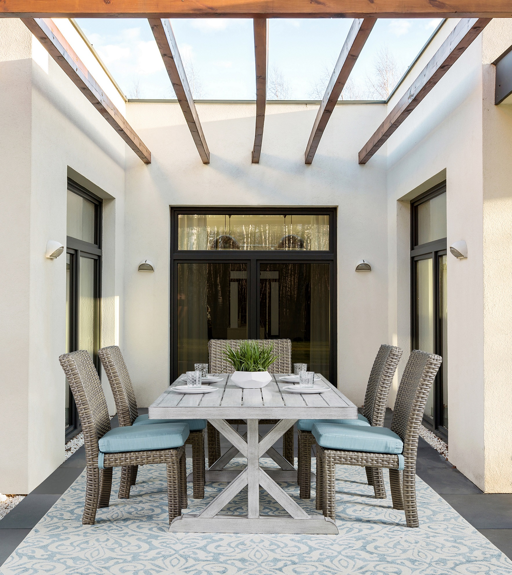 vista table with st tropez chairs