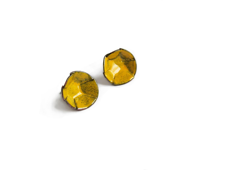 kate-mess-barnacle-studs-mustard-earrings.jpg