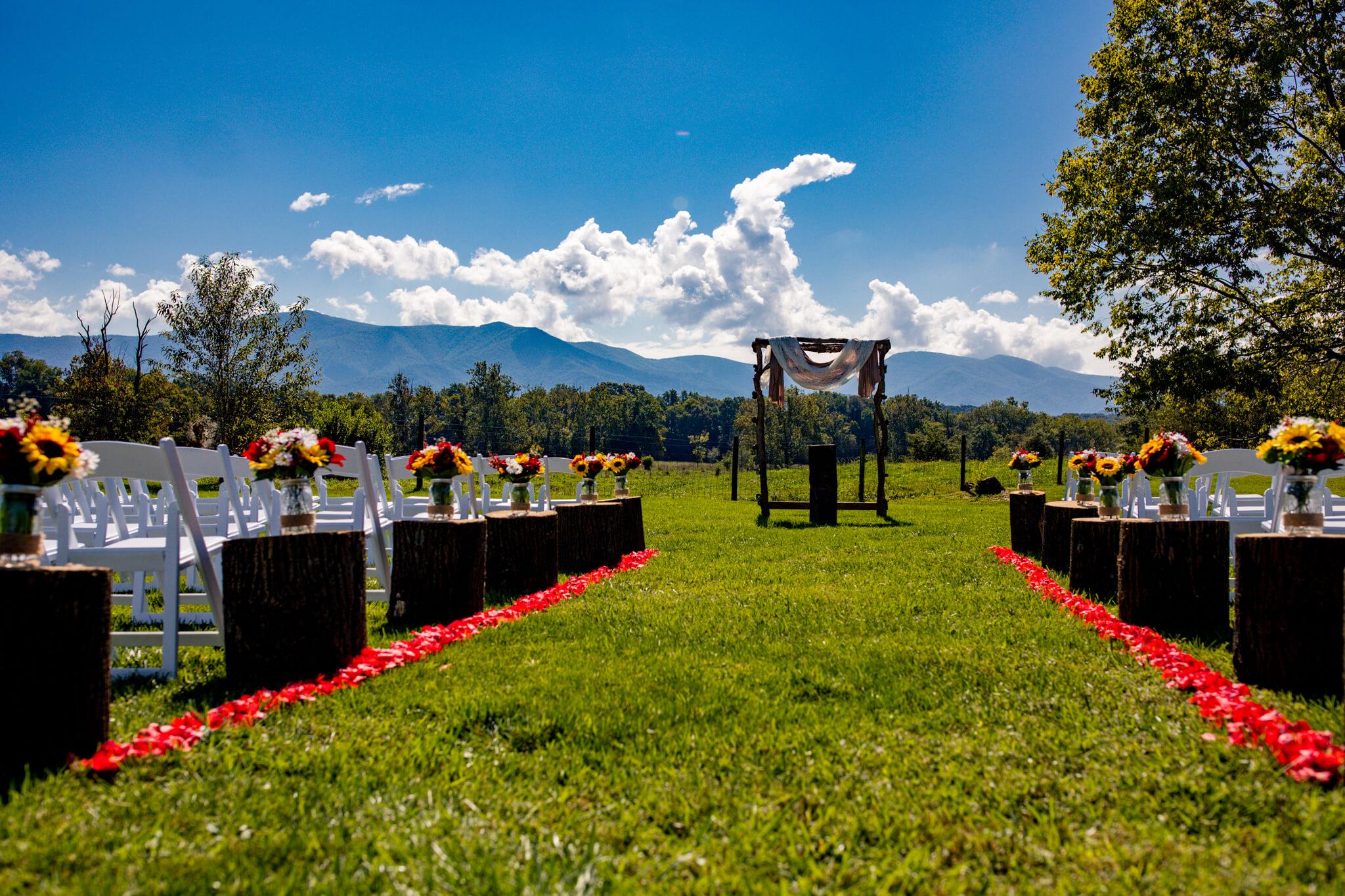 Briana Ron Stover Hall Luray VA Wedding Blueridge Mountains Shenandoah-5.jpg