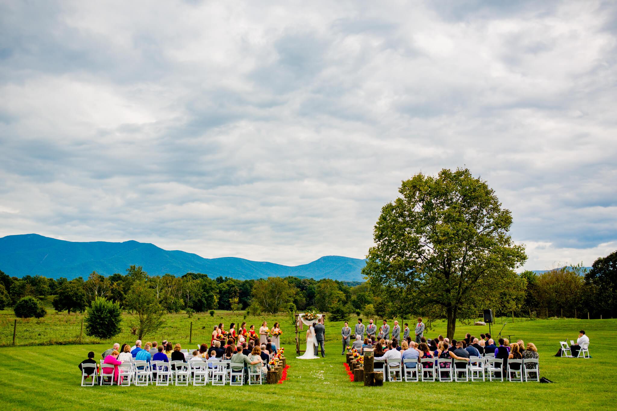 Briana Ron Stover Hall Luray VA Wedding Blueridge Mountains Shenandoah-15.jpg