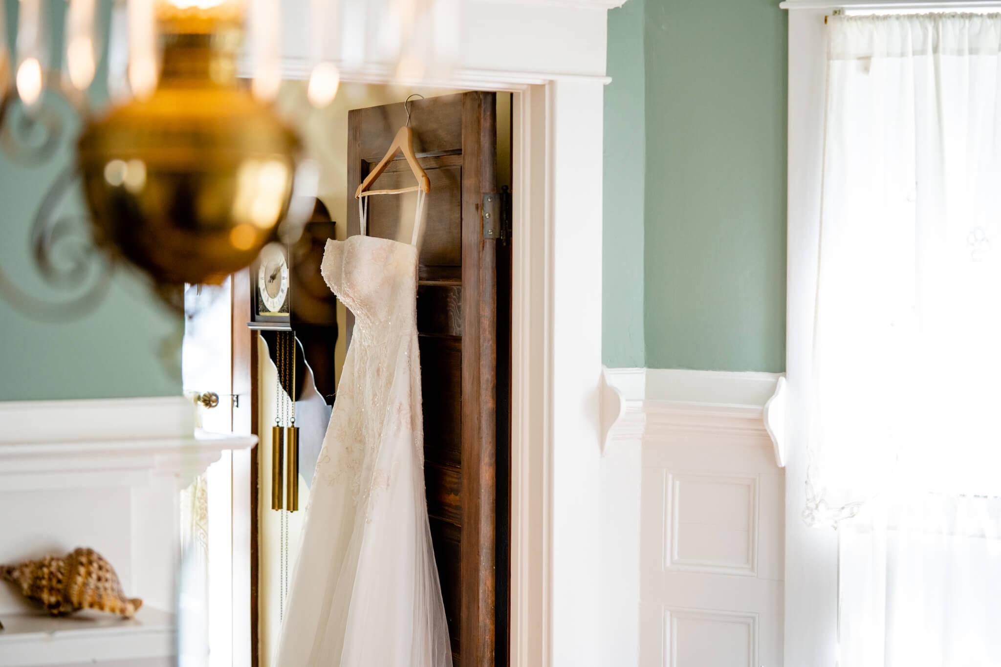 Catherine Laura University of Florida Wedding Smathers Library Reception Baughman Center Ceremony Lake Alice Wedding-6.jpg