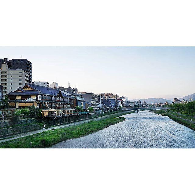 Set along Kyoto's Kamo River, these summertime restaurants are a great spot to relax. During the warmer months, many add wooden terraces – known as Noryo Yuka – to their eateries so that locals and tourists can enjoy the splendidly humid nights. . . . . . #megalopolist #traveldeeper #tasteintravel #tlpicks #bbctravel #dametraveler #lonelyplanet #livetravelchannel #traveltheworld #guardiantravelsnaps #instapassport #postcardsfromtheworld #travelandlife #athomeintheworld #passportready #natgeotravelpic  #adventureaddiction #seeingthepretty #far_eastphotography #visitjapan #photography_lovers #photographytravel #photographylife #meettheworld #suitcasetravels #freshairclub #lightzine #somewheremagazine #forevermagazine #etczine