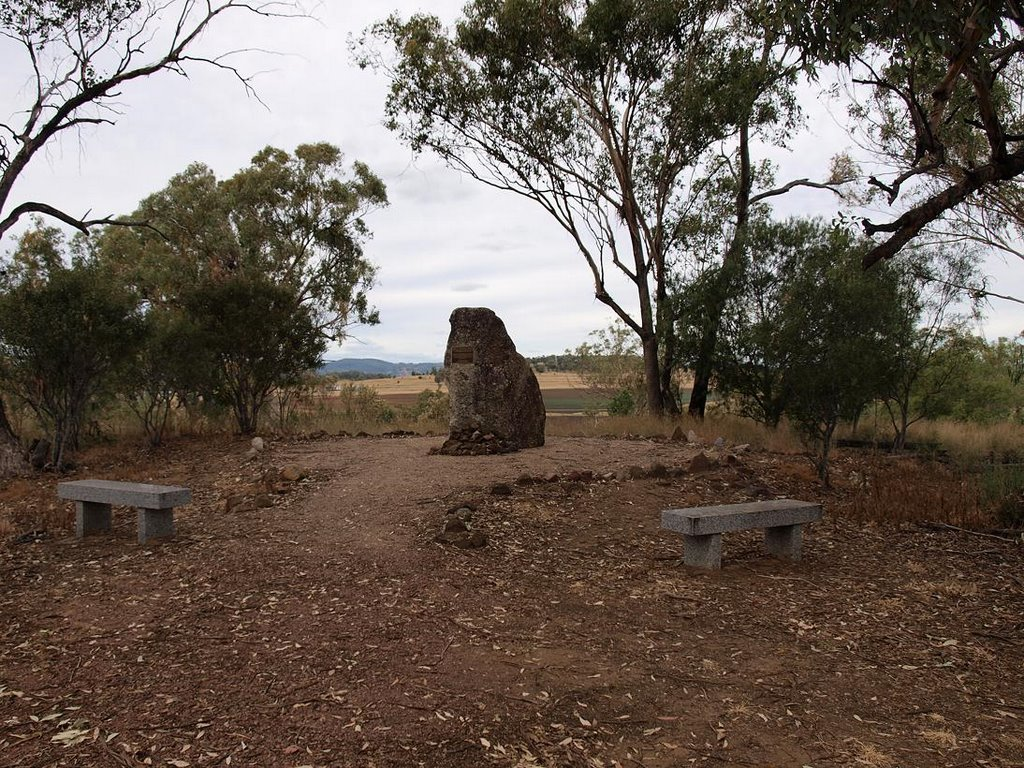 MYALL CREEK MEMORIAL NEAR BINGARA. PHOTO: © ECOLOGISTGREG, 2009.