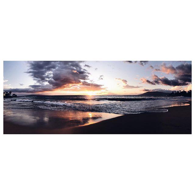 Luau Pano 🌴☀️ #luau #pano #sunset #reflections #clouds #maui #hawaii #igers #ig #igtravel #vacation