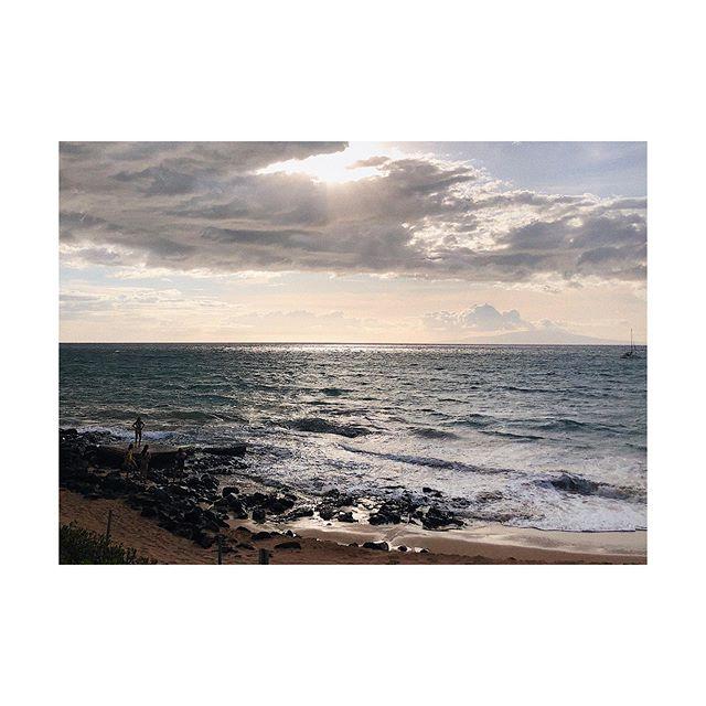 Silver Sun. 📏☀️ #maui #hawaii #sunset #vacation #paradise #igers #oceanview #ocean #ig