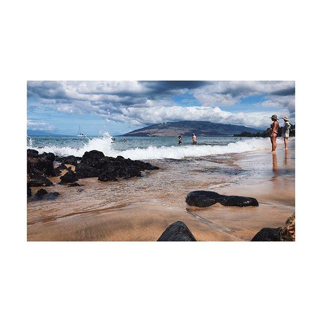 Time for a swim. 👏🏻🙃 #maui #swim #vista #hawaii #igers #ocean #oveanview #beach #clouds #sky #vacation #vacationatlast