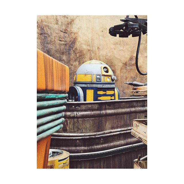🤖✨ Checking out Galaxy's Edge today. #galaxysedge #anaheim #california #ca #droid #thatsnotr2d2 #igers