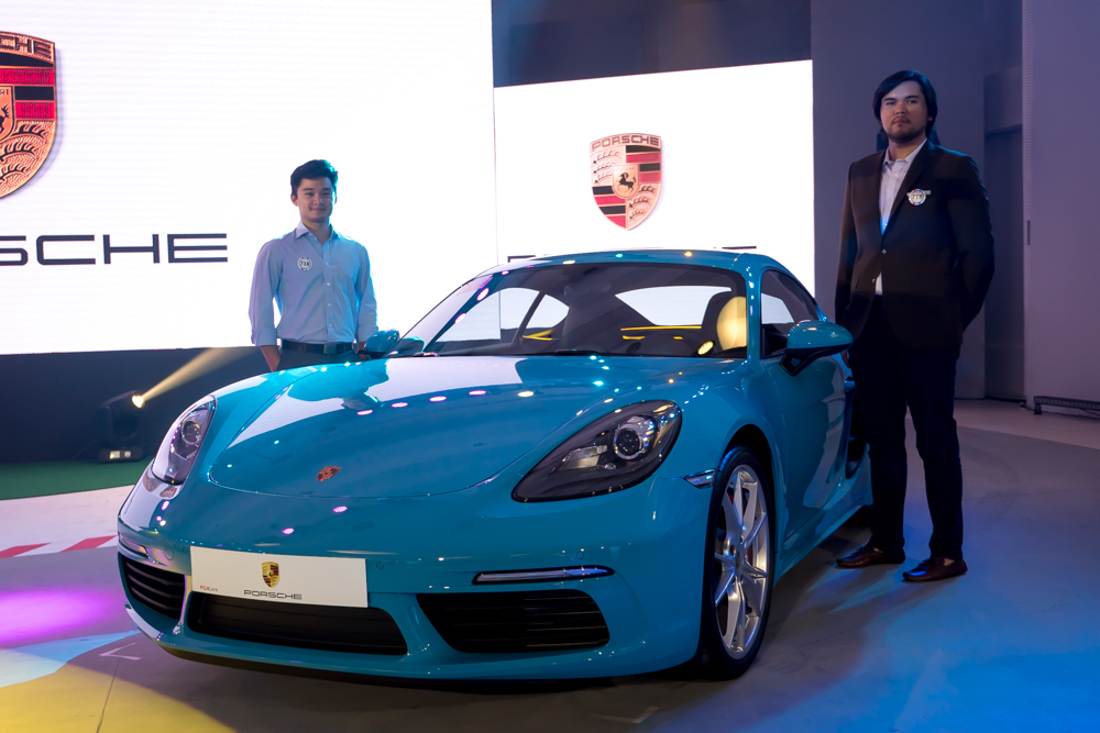 Stefano Marcelo and Enzo Teodoro with the 718 Cayman