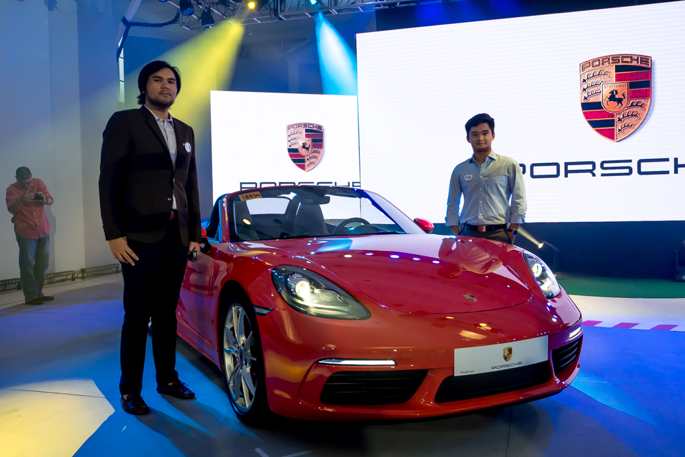 Enzo Teodoro and Stefano Marcelo with the 718 Boxster