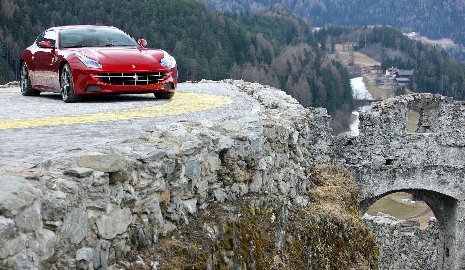 Ferrari-FF-2012-1600-28.jpg