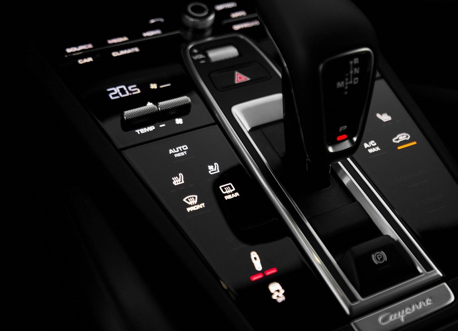 Porsche-Cayenne-2018-1600-c3.jpg