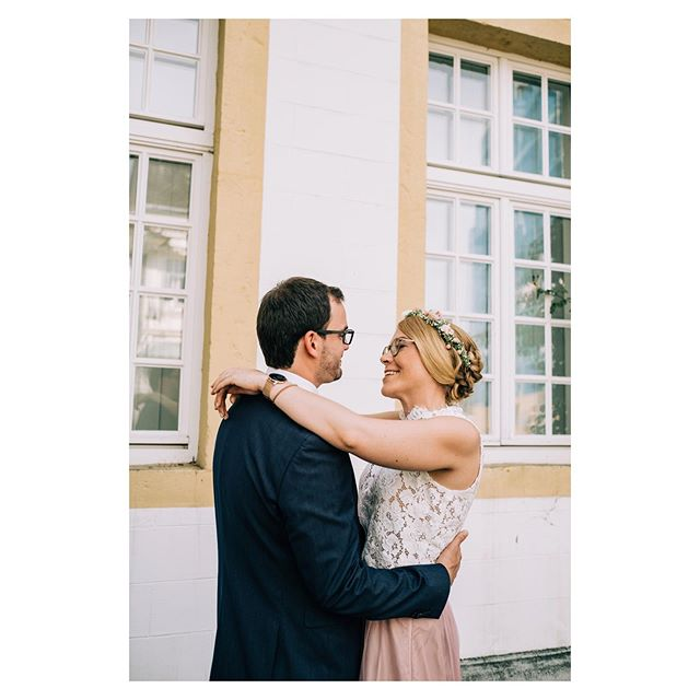 Carmen & Christian And their laidback civil wedding as a starter 🥰