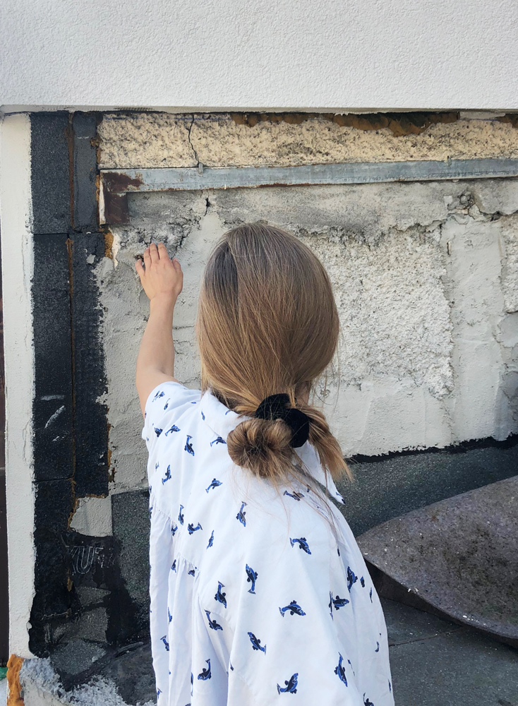 01. Jun 2019 -  Über uns  - Unsere neue Praktikantin Alice auf Entdeckungstour für die Räumlichen Dorfbilder in Oberurnen, Glarus Nord.