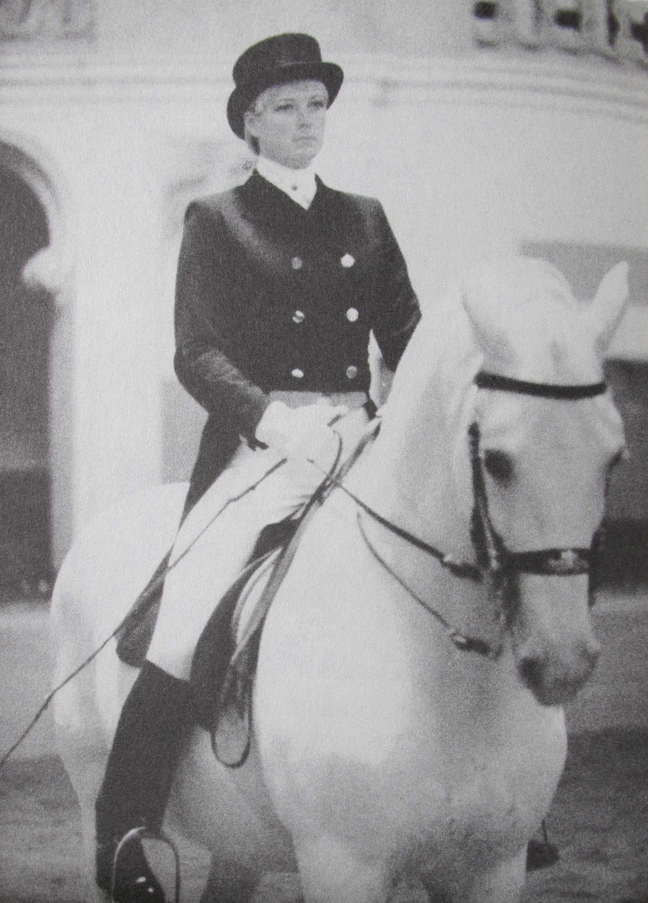 Diana Mukpo, Spanish Riding School
