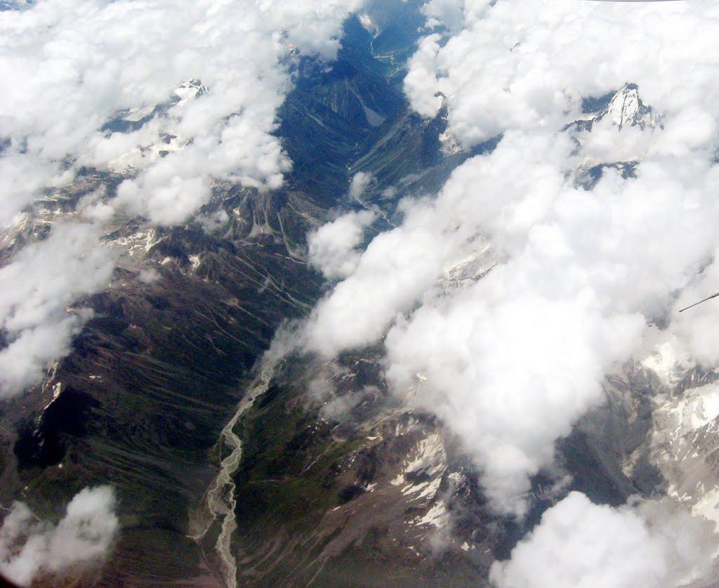 Yigong Valley
