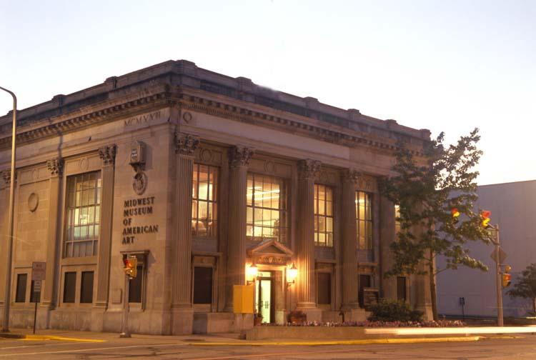 Museum Building (time exposure).jpg