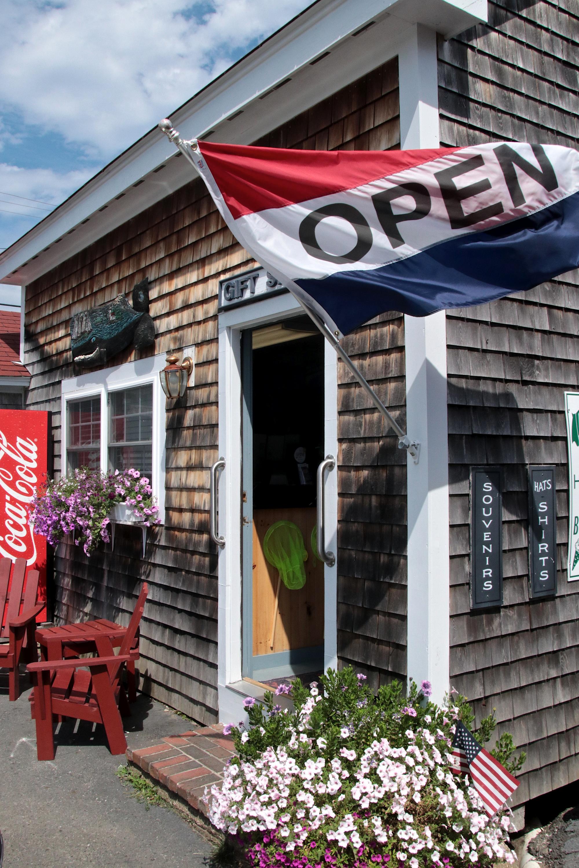 Robinson's Wharf - Gift Shop.jpg