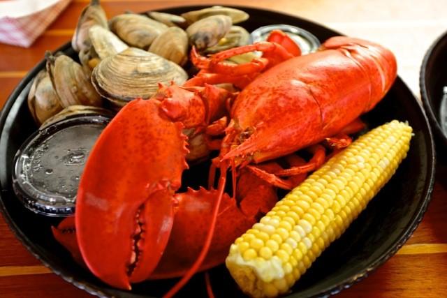 Robinson's Wharf - Lobster Dinner 3.jpg