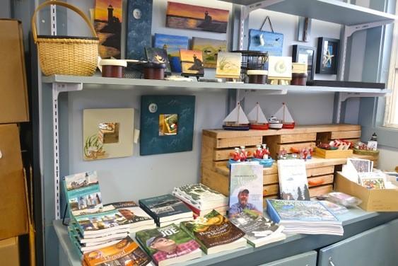 Robinson's Wharf - Gift Shop (10).jpg