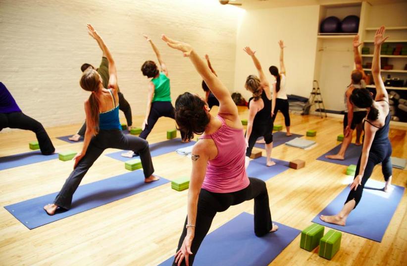 beginners-yoga-stretch-pranayam-flexibility