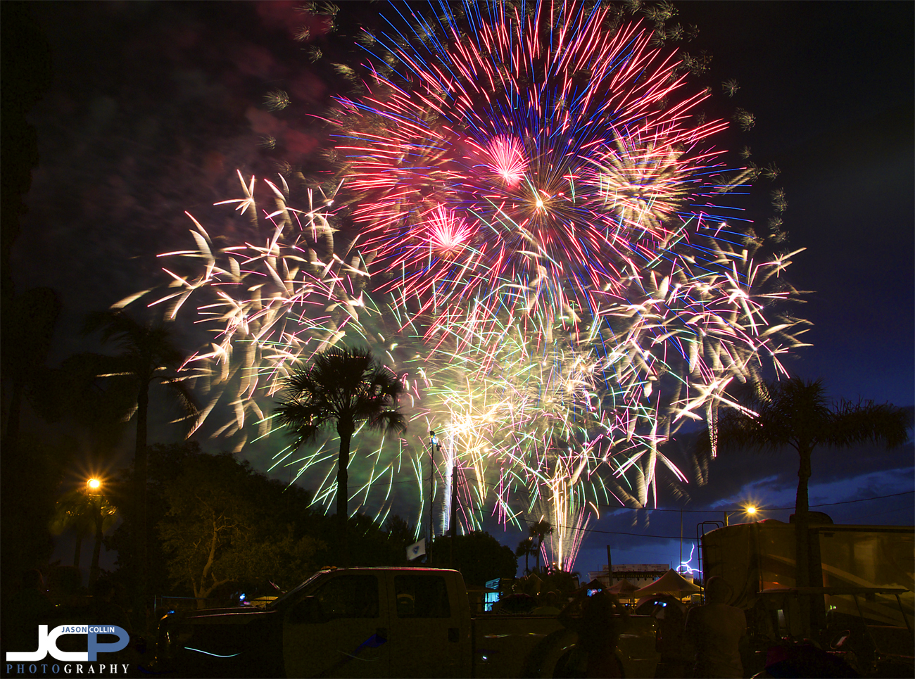 2016 Red White & Boom fireworks display in Cape Coral Florida - Nikon D300 Tamron 17-50mm @ f/11 - 10.8 sec - ISO 200 tripod mounted with cable release