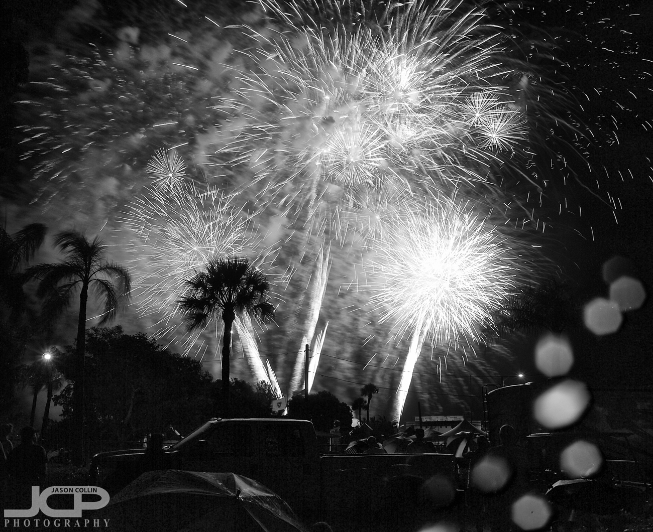 2016 Red White & Boom fireworks display in Cape Coral Florida - Nikon D300 Tamron 17-50mm @ f/11 - 1.2 sec - ISO 200 tripod mounted with cable release