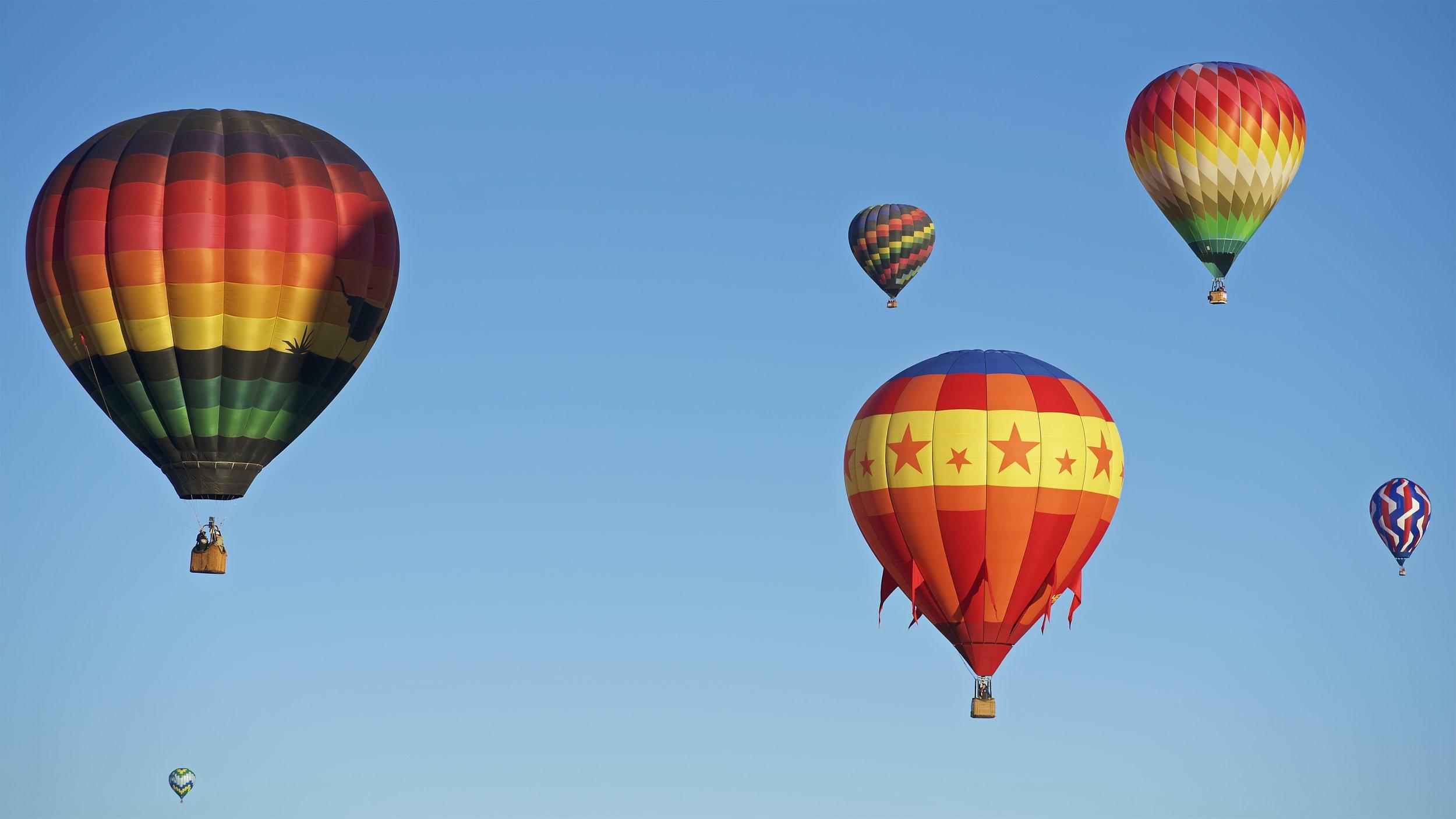 5 Balloons