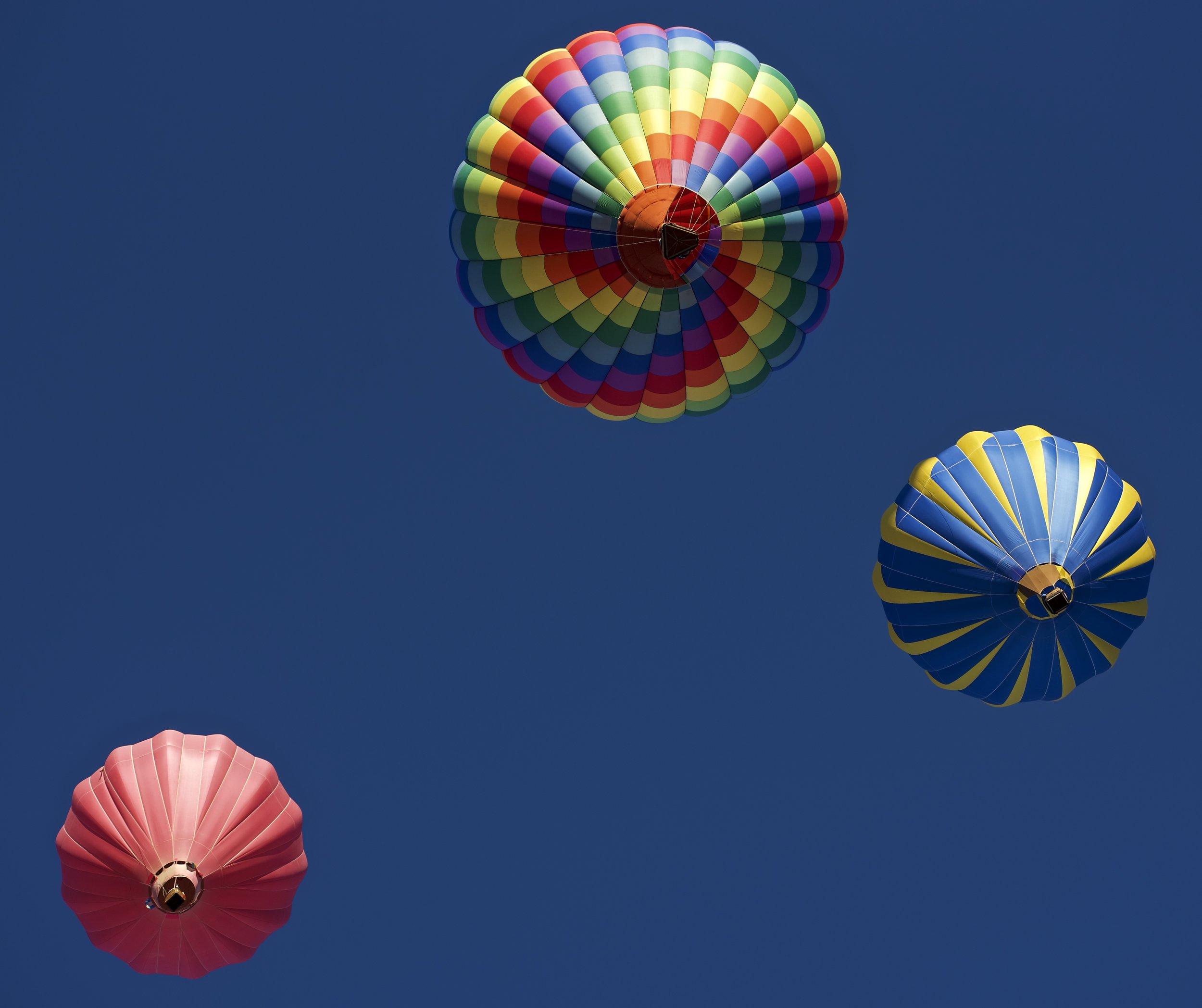 Under 3 Balloons