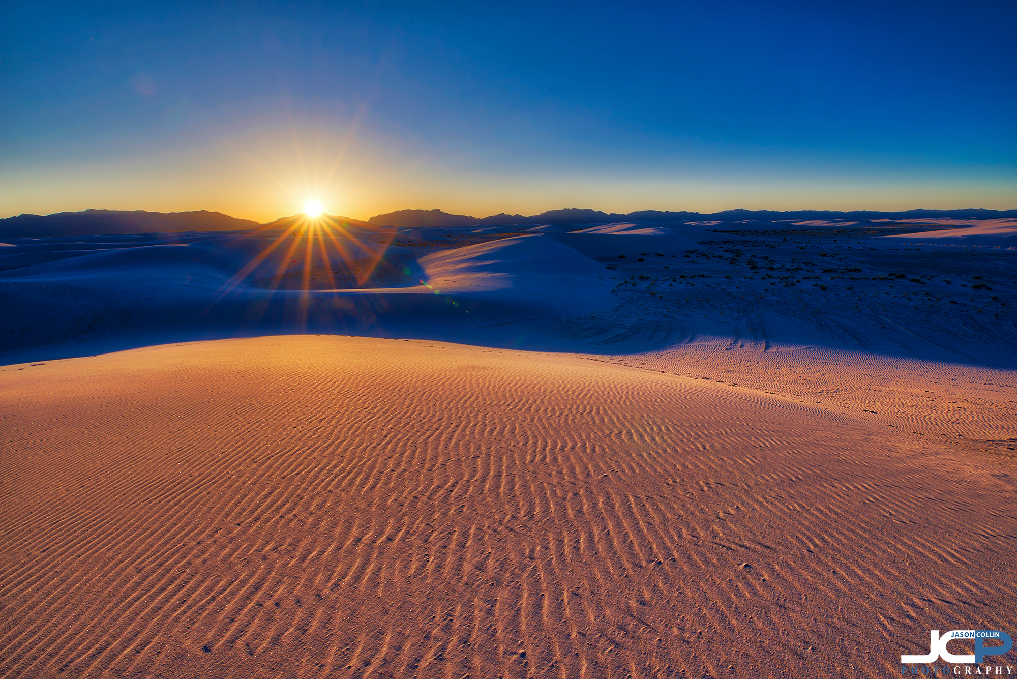 Not until the sun begins to set do the colors of White Sands start to change.