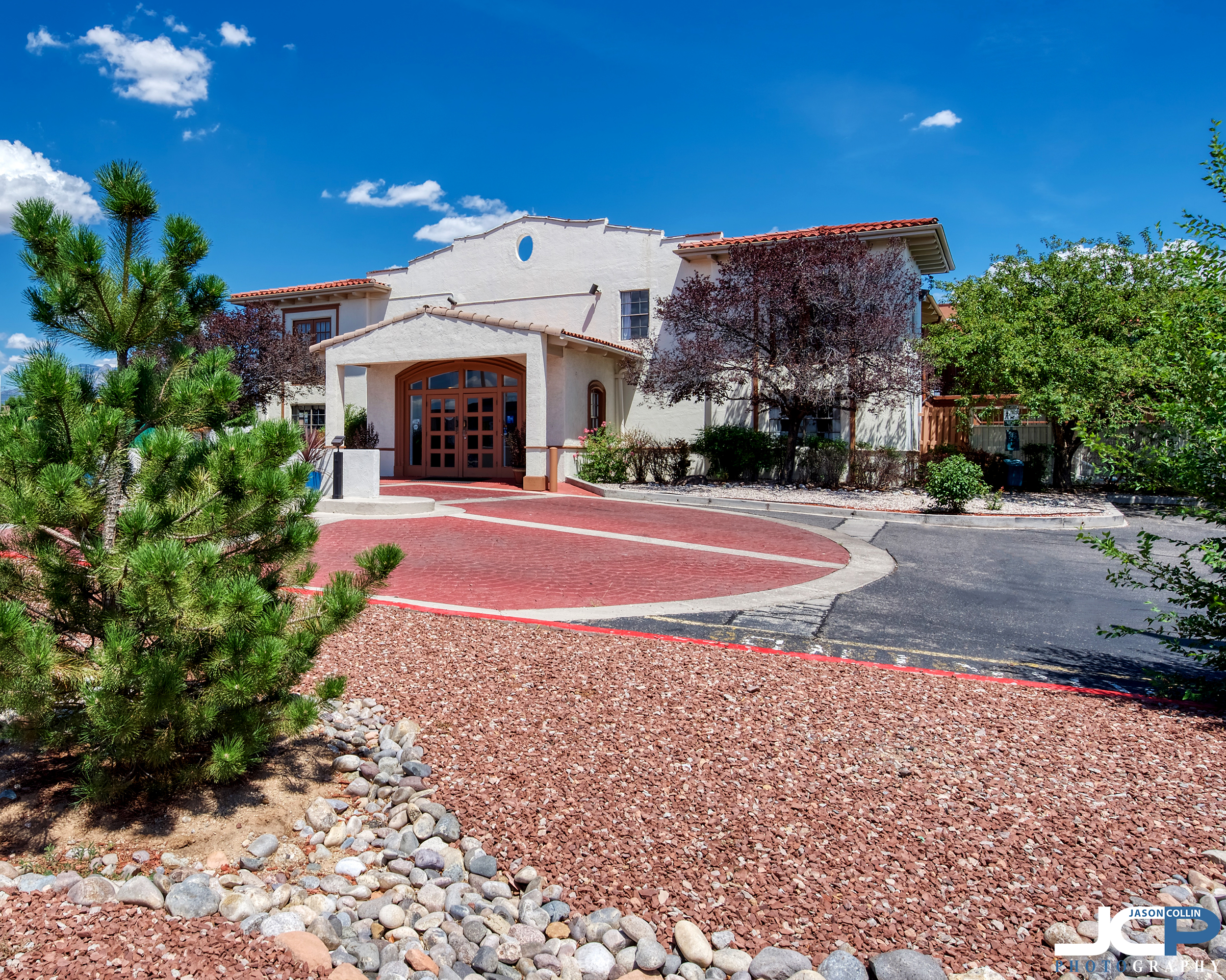 Using creative angles to best photograph a city hotel in Albuquerque New Mexico