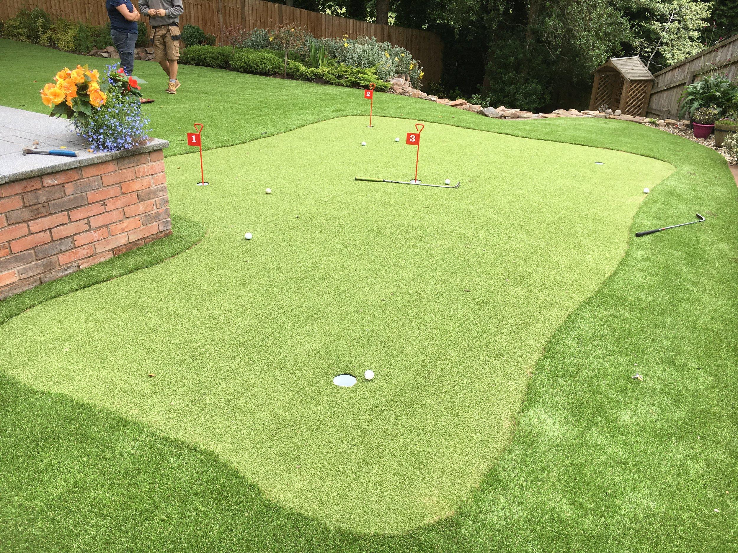 Putting Green Artificial Grass Fitting