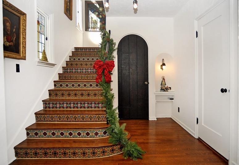 spainsh-tiles-stairs.jpg