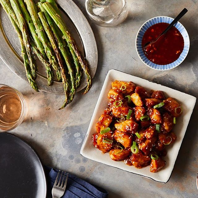 Sweet and Sour Chicken and Asparagus for The Essential Air Fryer Cookbook for Two #theessentialairfryercookbookfortwo #cookbook #callistomedia #foodstylist #foodphotography #airfryer #foodstyling #sweetandsourchicken #chicken #sesame #asparagus 📷 @eviabeler