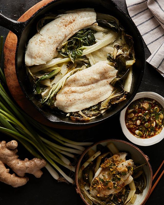 Baked Fish with Bok Choy, Lime, Cilantro, and Scallions for The Chinese Medicine Cookbook #bakedfish #bokchoy #scallions #lime #cilantro #chinesefood #ginger #thechinesemedicinecookbook #cookbook #callistomedia #foodstylist #foodphotography #foodstyling 📷 @eviabeler