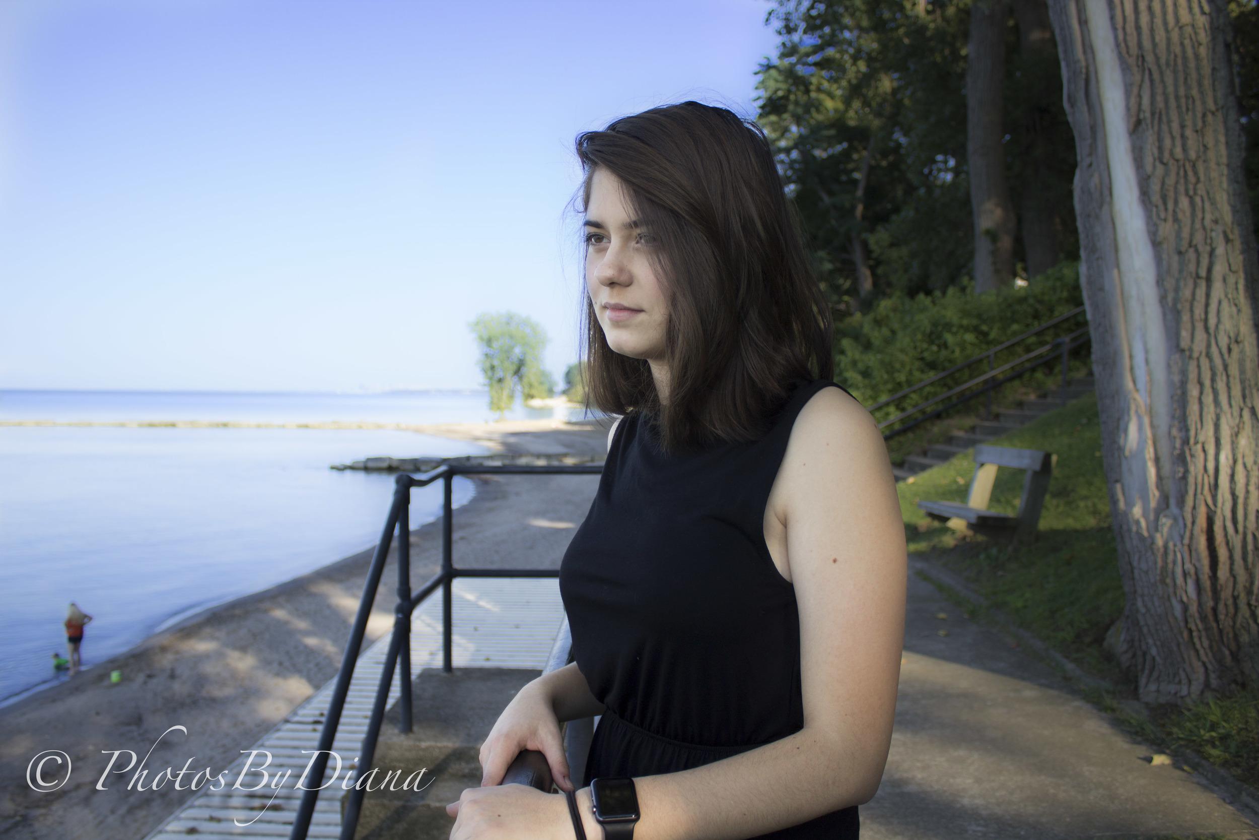 Edita-Edona Senior Pics-13.jpg
