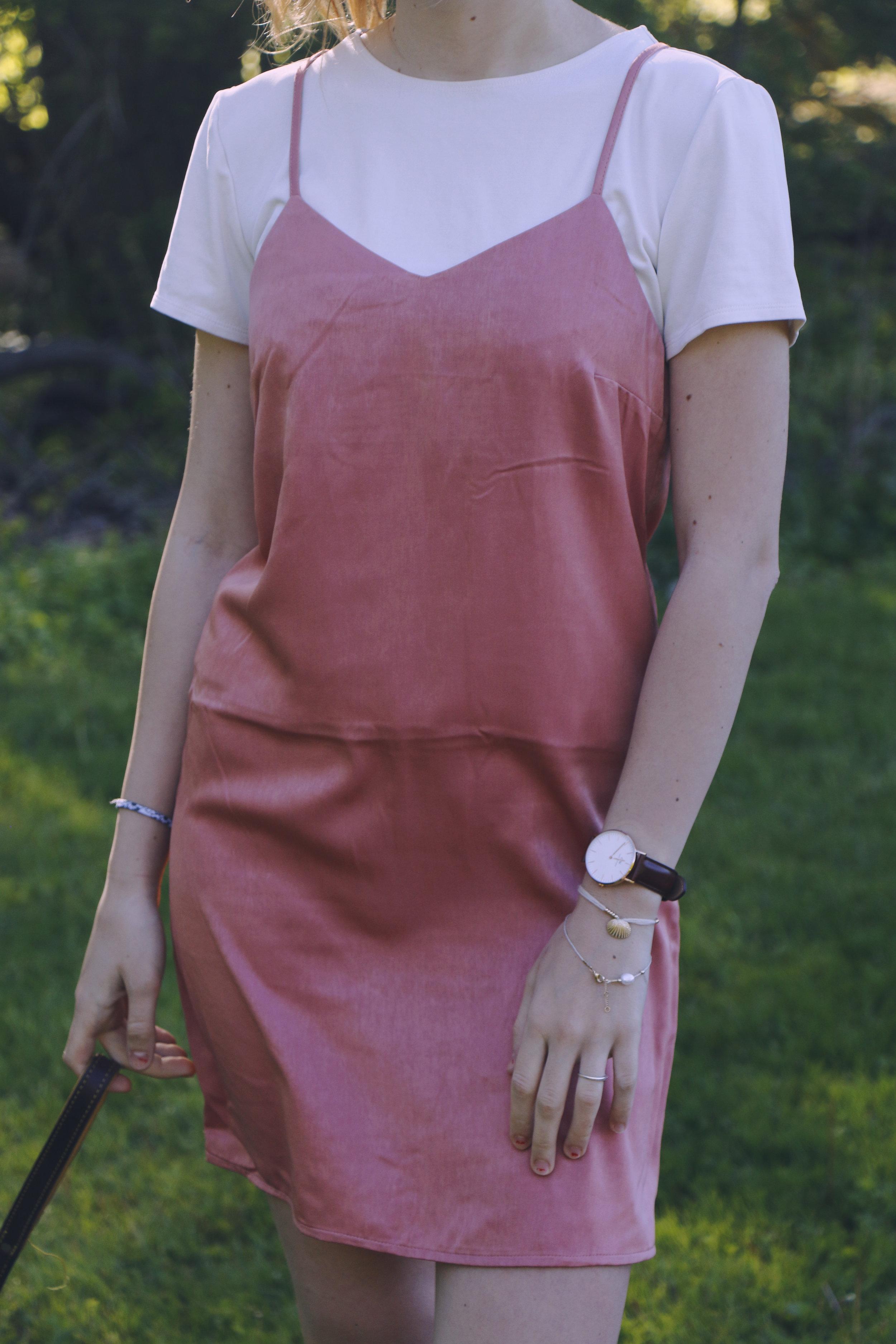 maliqi.danielwelligntonpost.pinkdress.7.jpg