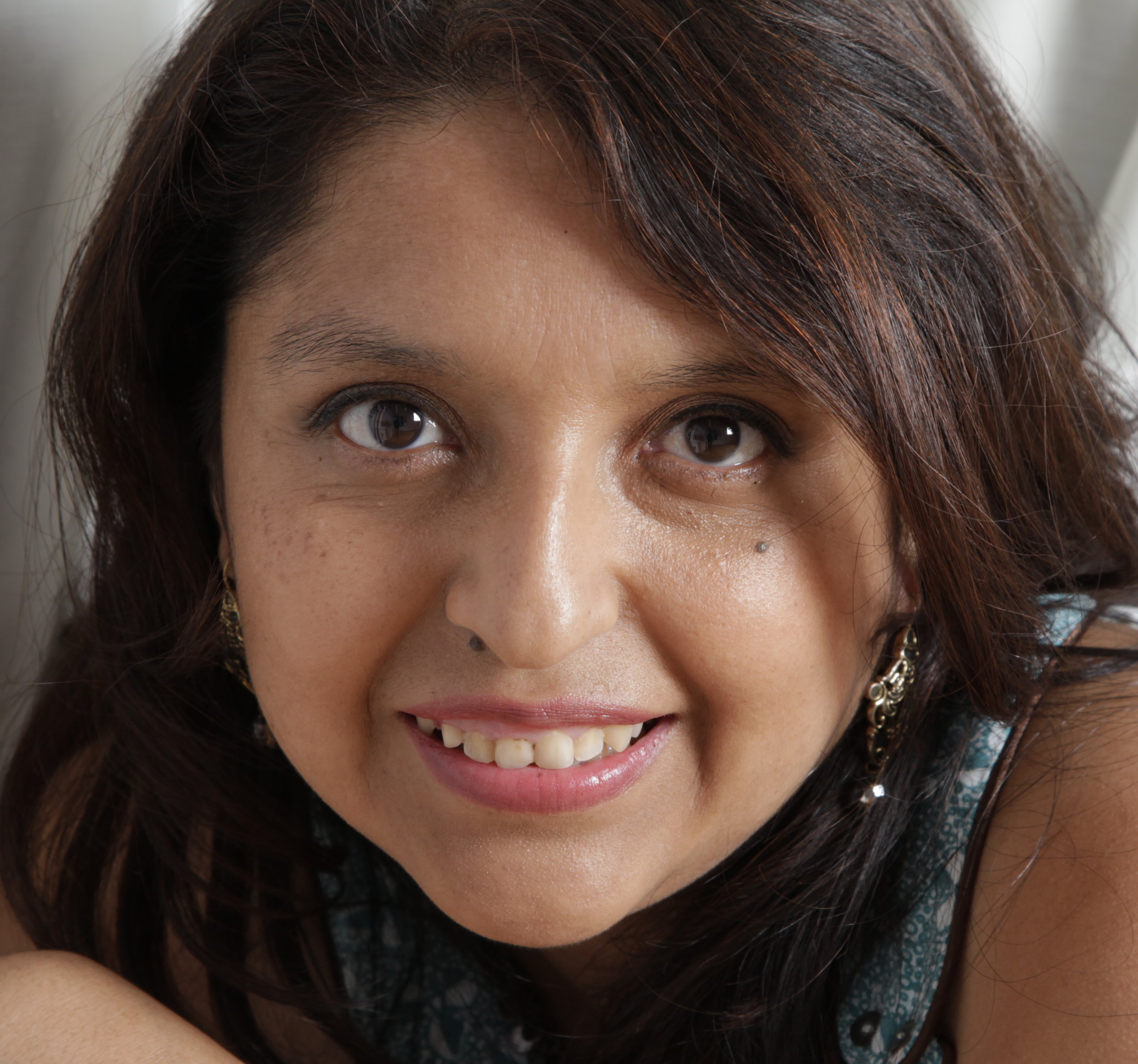 Who I am - I am Gloria Acuna, Empowerment Coach and Healer for Mums.I am on my mission to empower mums all around the world by unleashing their inner powers to become the real unlimited human being they meant to be; and to create their own miracles in any aspect of your life.As a Healer I help mums to heal life and body of any kind of physical, emotional or mental health concern; combining science and spirituality.