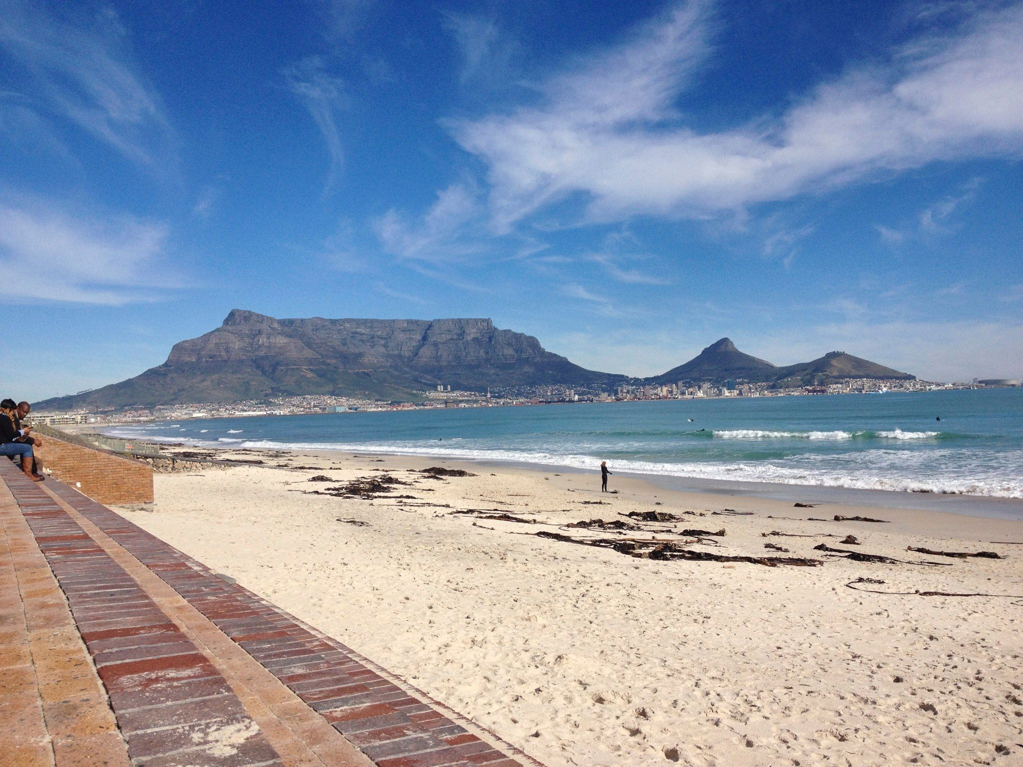A stunning view of one of the 7 wonders of the world: Table Mountain in Cape Town.