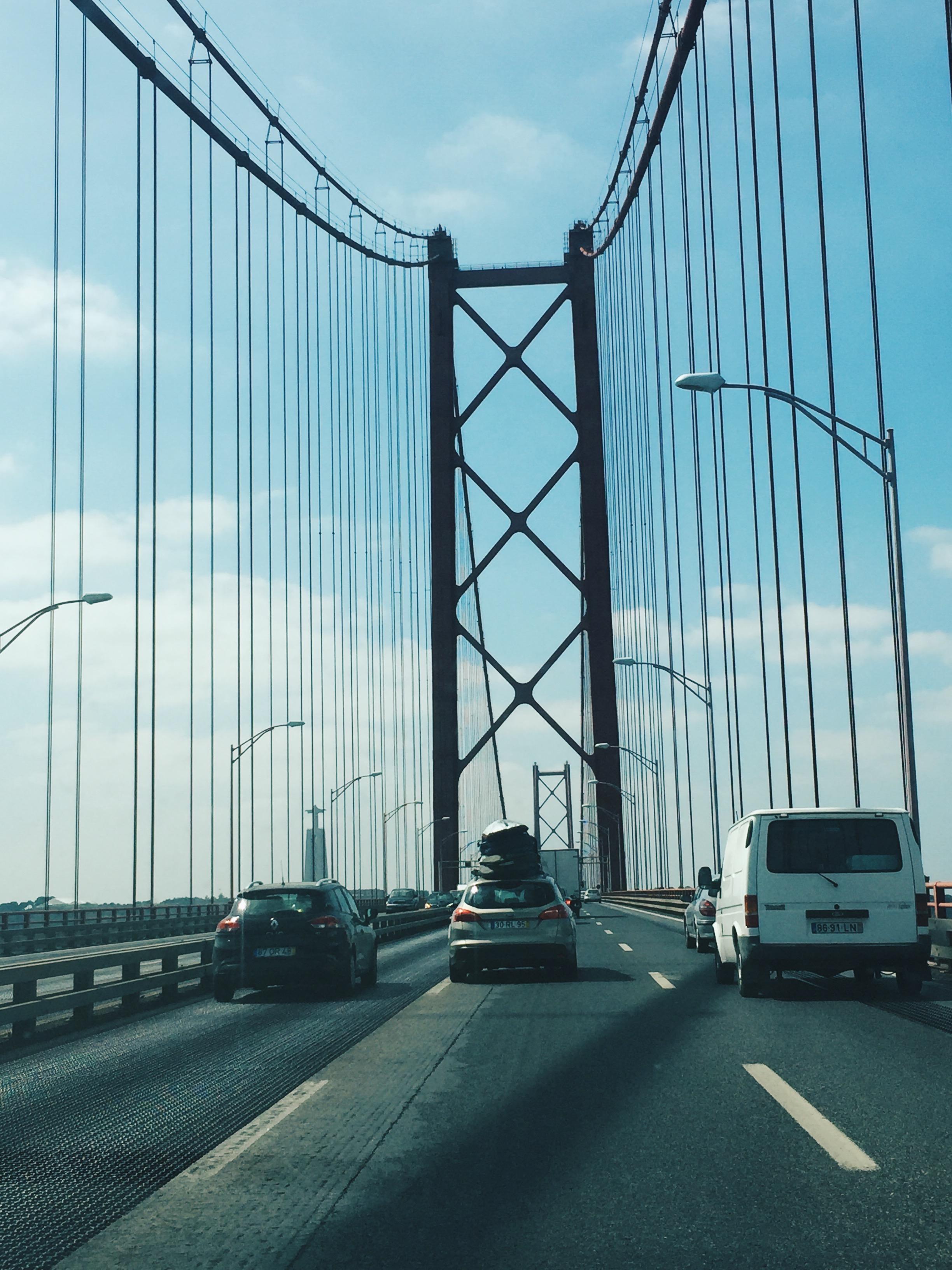 Driving on the 25 de Abril bridge!