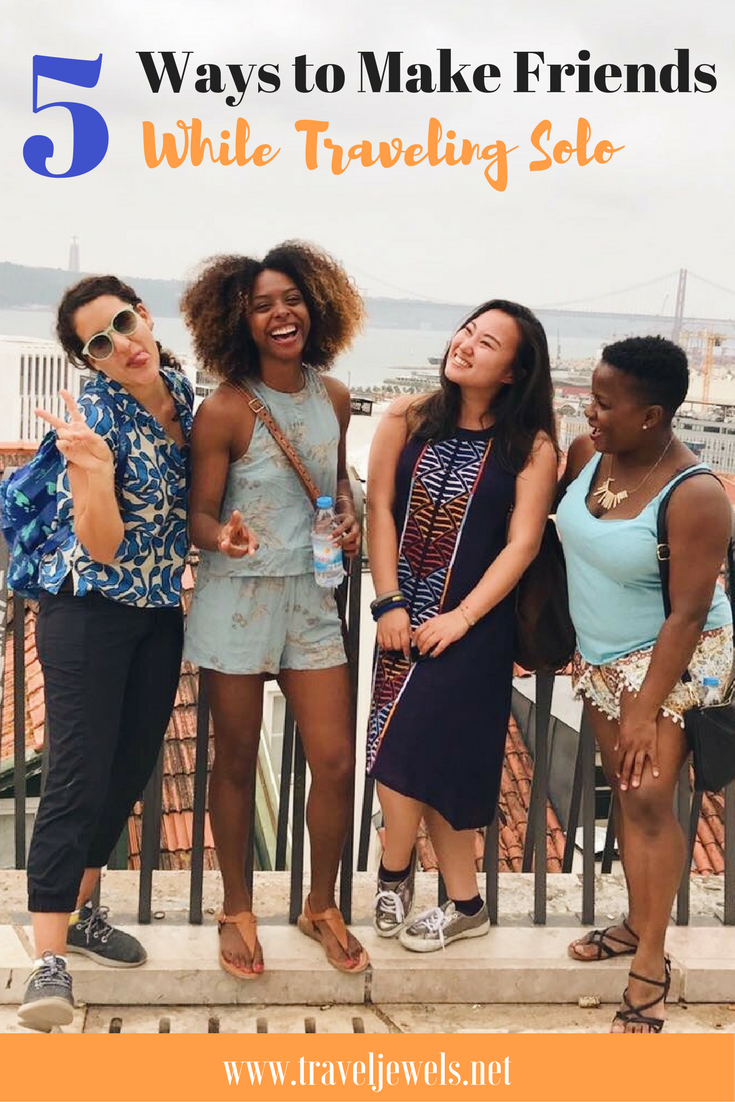 5 Ways to Make Friends While Traveling Solo