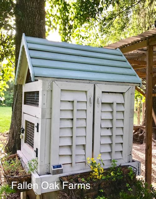 rabbit hutch side view.jpg