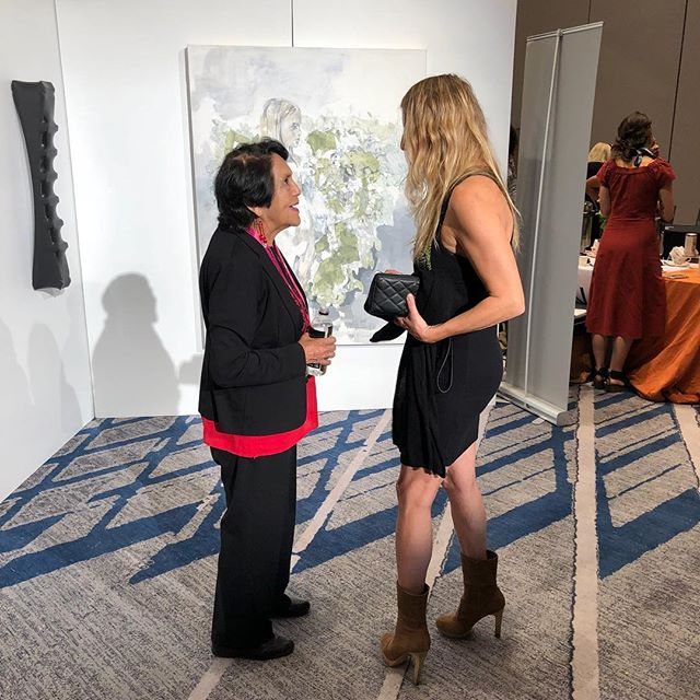 Having a great talk with civil rights activist Dolores Huerta Founder of Dolores Huerta Foundation. Powerful woman! ❤️❤️❤️#powerwomensummit #wrapmagazine #wrapwomen #art#activist#figurativeart #losangeles #abstractart #drawing #art #loveart #women #womenempowermen