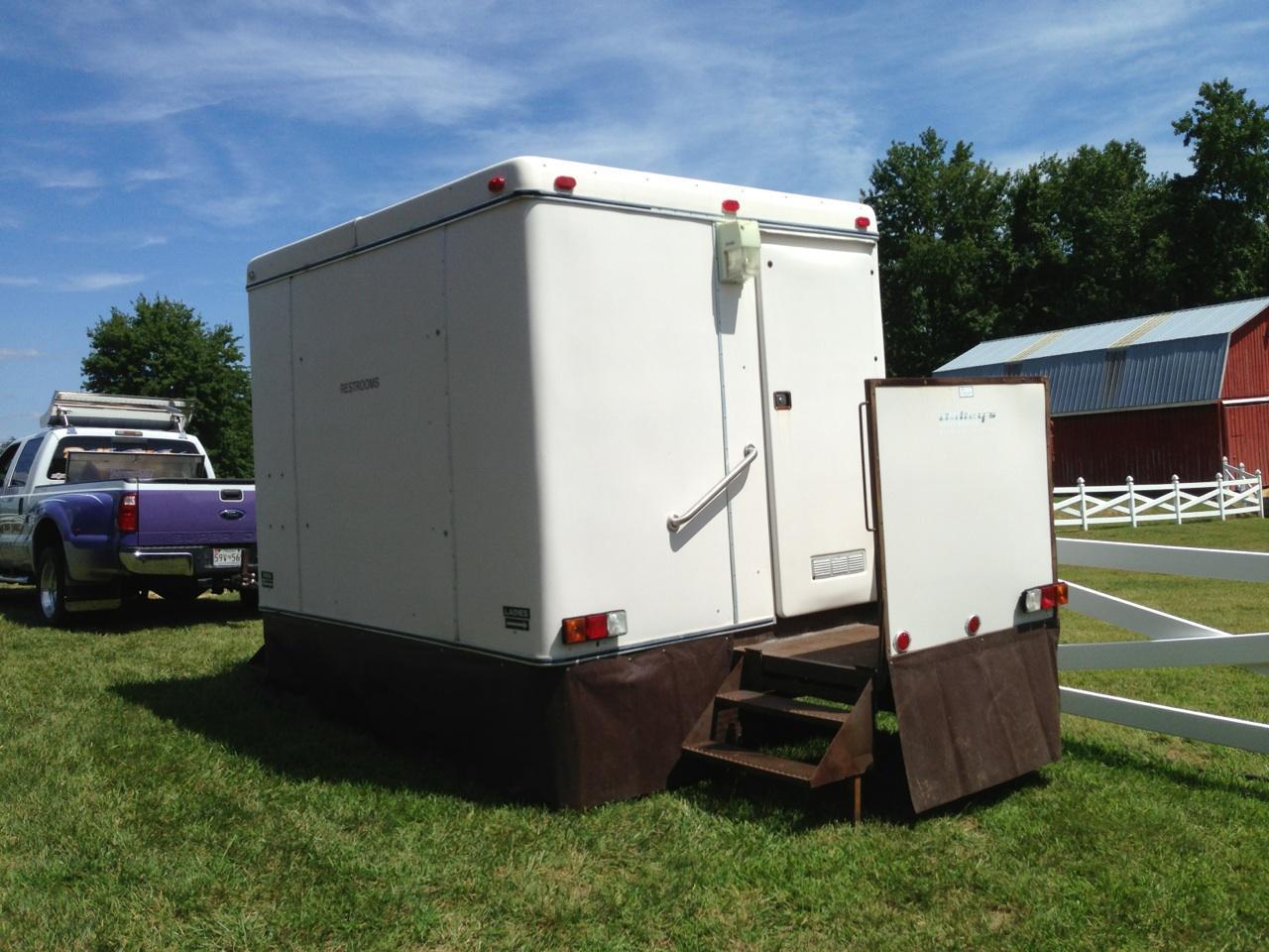 Economy bathroom trailer