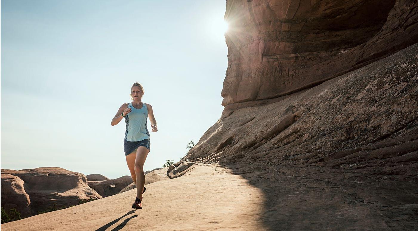 Anna Frost canyon running cr- Jordi Saragossa