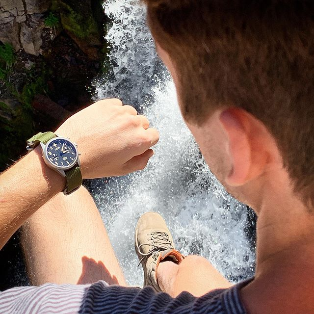 Hanging on the edge with the Bronson chronograph.