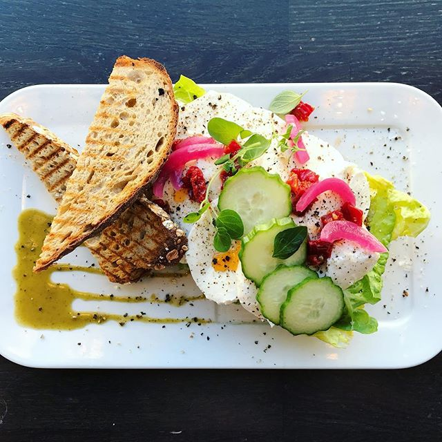 Colors in the plate at @kaffemisjonen 🌺🌱🌸••• #notjustaboutcoffee #bestsandwichesintown #bergen #norway #coffeeshop #colorshot