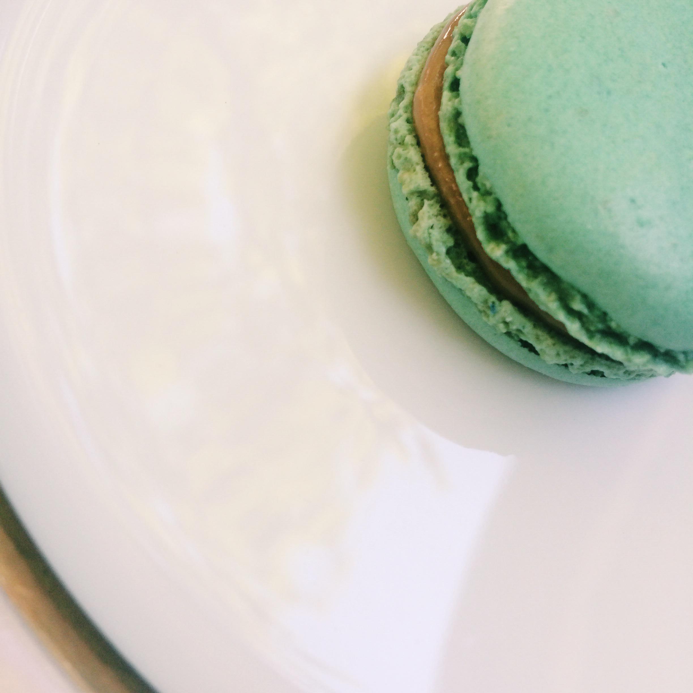 C'est Un Macaron (not Macaroon)