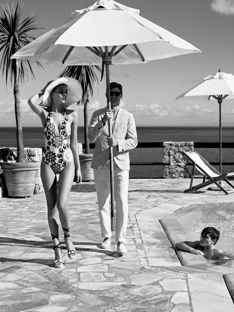Reed_Henry_Cottons_swimming_pool_umbrella_diva.jpg